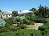 Sorrento / Sorrento Museum and Pioneer Memorial Gardens, Melbourne Road and Ocean Beach Road / Garden in front of Watts' Cottage