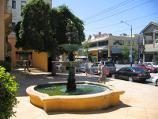 South Yarra / Shops along Toorak Road / Fountain at South Yarra Square