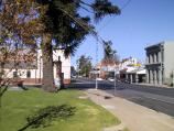 St Arnaud / Commercial centre and shops / View south-east along Napier St towards Market St