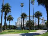 St Kilda / O'Donnell Gardens, The Esplanade / View through gardens towards Luna Park