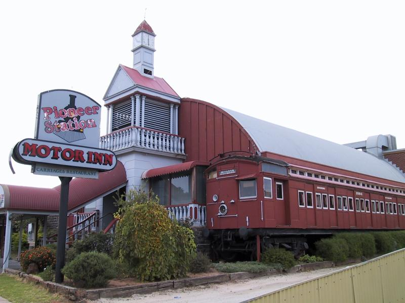 Swan Hill Australia  City pictures : Swan Hill / South of town centre / Pioneer Station Motor Inn with old ...