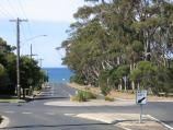 Torquay / Fishermans Beach / View east along Beach St at Fischer St and Taylors Park with Fishermans Beach in background