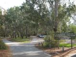Wangaratta / Sydney Beach at Ovens River, off eastern end of Ovens Street / Entrance to car park at Sydney Beach, off northern end of Ovens St