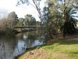 Wangaratta / Sydney Beach at Ovens River, off eastern end of Ovens Street / View south-east along Ovens River towards footbridge