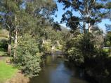 Warburton / Yarra River around Story Reserve, western end end of commercial centre / View west along Yarra River from Swing Bridge