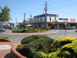 Warragul / Commercial centre and shops / View west along Palmerston St at Smith St