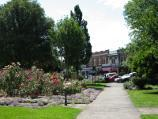 Warragul / Queen Street Park, Queen Street / View through park towards Queen St
