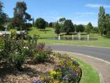 Warragul / Civic Park / View north at end of Civic Pl towards lake