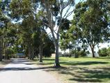 Werribee / Werribee racecourse, Bulban Road / Pathway at entrance