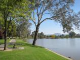 Wodonga / Sumsion Gardens / View south-west along eastern side of lake