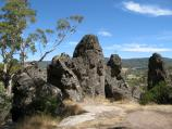 Woodend / Climb to summit of Hanging Rock / Stonehenge rock formation