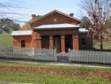 Yackandandah / Williams Street and Railway Avenue / Court house, Williams St