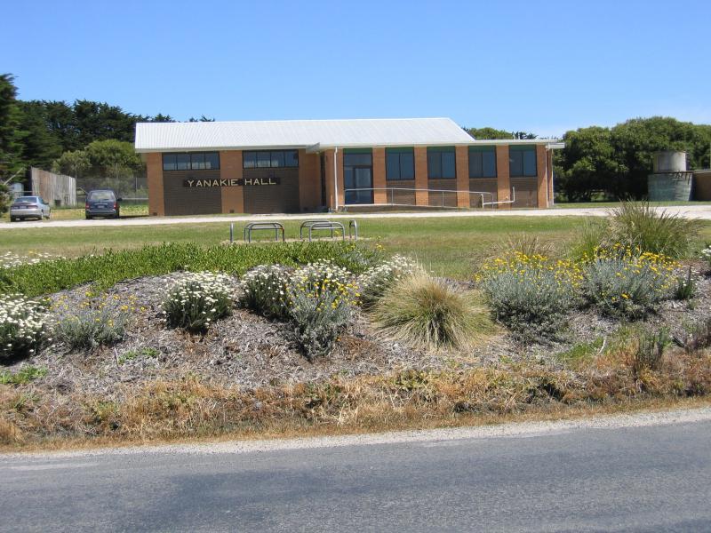 Yanakie Australia  City new picture : Yanakie / Town centre, Wilsons Promontory Road near Millar Road ...